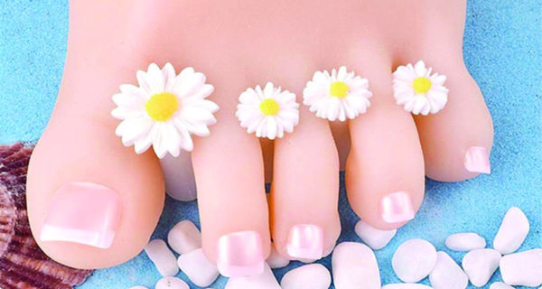 White flower 8pc toe separator