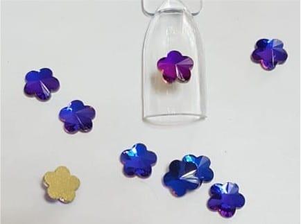 #56 Chameleon Flower nail-art-crystal-K9